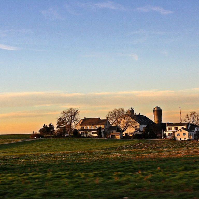 Farmhouse scenery in Lancaster County